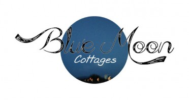 Blue Moon Cottages Logo